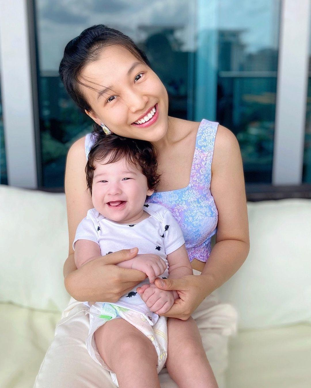 Á hậu Hoàng Oanh chia sẻ cách dạy con theo phong cách Việt - Tây