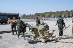 Thợ quân khí Việt Nam thi đấu Army Games tại Iran