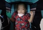 Con trai 1 tuổi bị ung thư máu, gia đình cùng quẫn