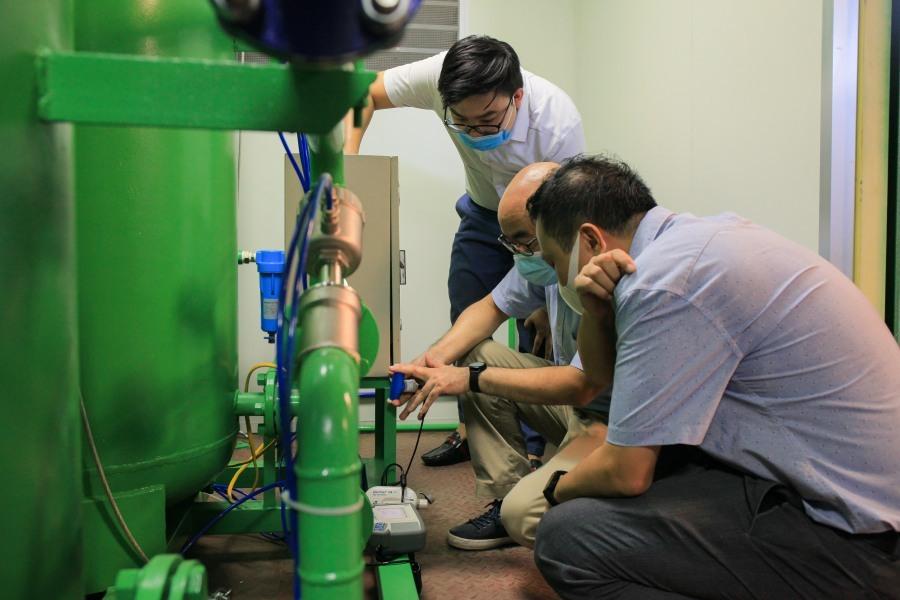 Giảng viên thiết kế xe tạo oxy di động hỗ trợ bệnh viện dã chiến