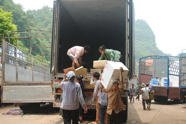 Trung Quốc tạm dừng xuất nhập khẩu tại một cửa khẩu với Lạng Sơn