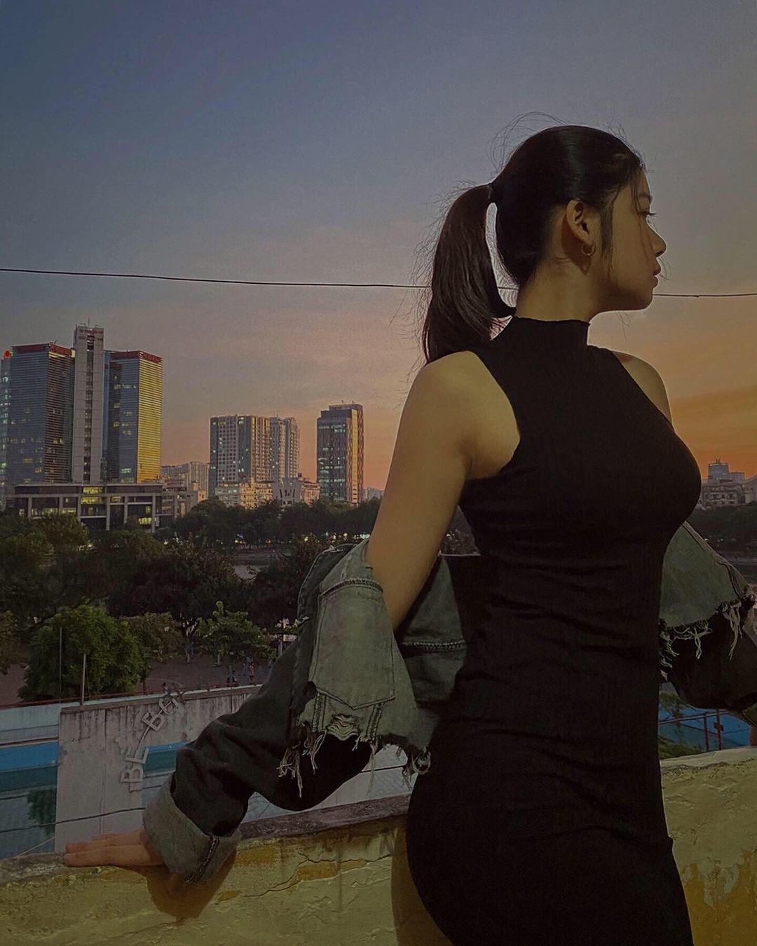 Bật mí về con gái 16 tuổi xinh đẹp của ông Sinh 'Hương vị tình thân'