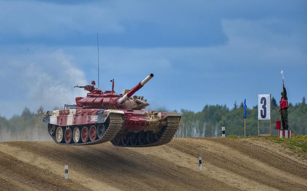 'Soi' mẫu xe tăng trong Army Games 2021