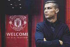 Ronaldo ký 2 năm MU, lương gây choáng