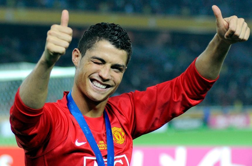 Ronaldo kiếm hơn 560.000 bảng/tuần tại MU, cao nhất Premier League