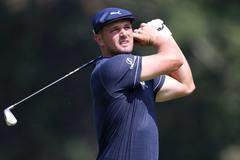 DeChambeau bỏ lỡ cú ghi điểm lịch sử PGA Tour