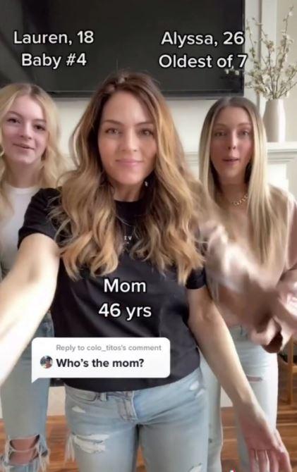 Bà mẹ 7 con trẻ trung khó tin