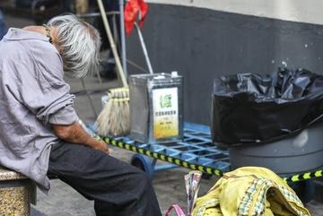 Cái chết cô độc của 'người già vô hình' ở Hong Kong