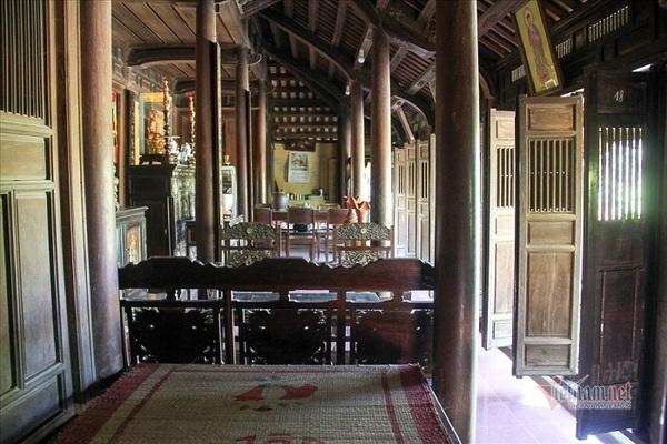 Explore traditional Vietnamese architecture