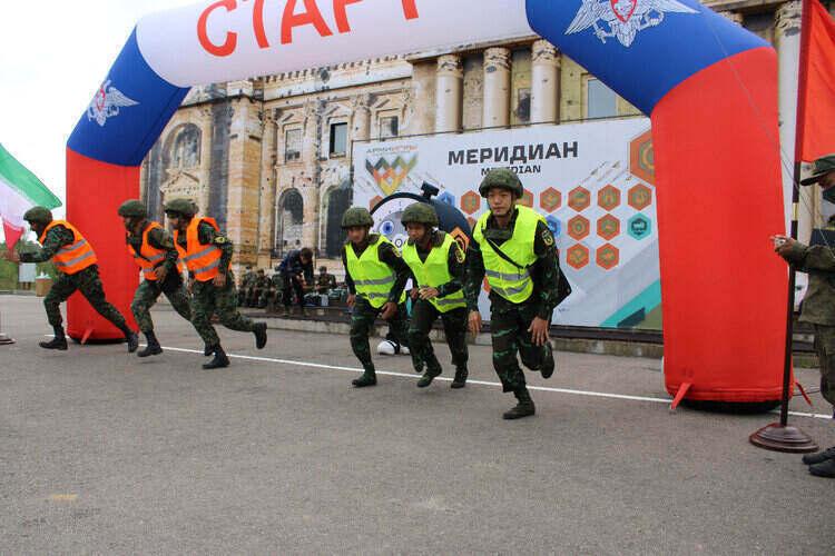 Đội Việt Nam lần đầu thi 'Kinh tuyến' đã giành huy chương