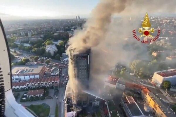 Nhà cao tầng ở Italia cháy ngùn ngụt, hàng chục ô tô bị thiêu rụi