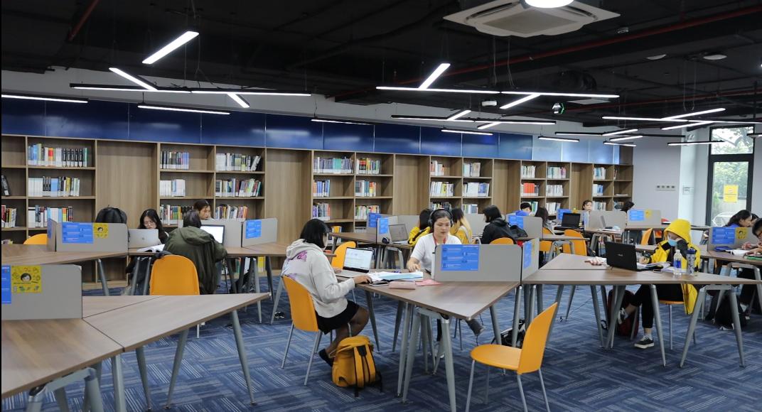 Bộ trưởng Nguyễn Mạnh Hùng nói về chuyển đổi số giáo dục