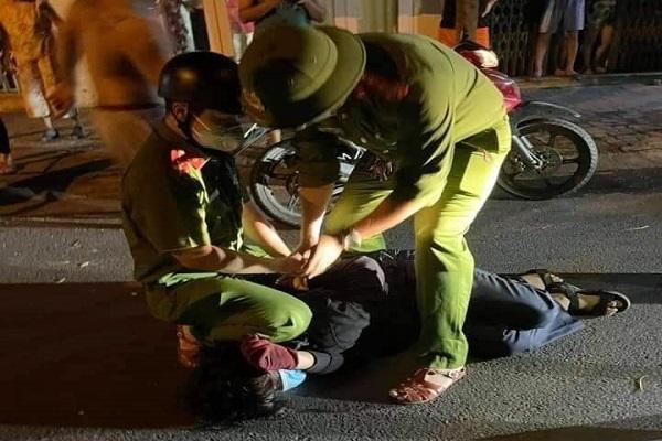Thiếu niên xông vào nhà dân đâm 2 người bị thương ở Đà Nẵng