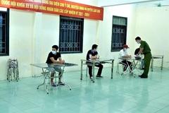 6 thợ xây thuê xe ô tô 'vượt chốt' về quê vì không còn tiền ở lại Hà Nội