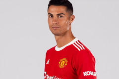 Hình ảnh đầu tiên của Ronaldo trong màu áo MU