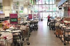 Quá tải, siêu thị xin nới giờ bán hàng, tăng thêm giấy đi đường