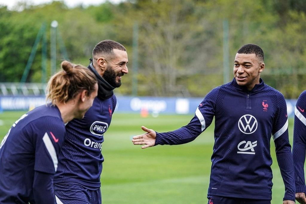 Man City đua tốc độ MU, Mbappe sẽ chơi cho Real Madrid
