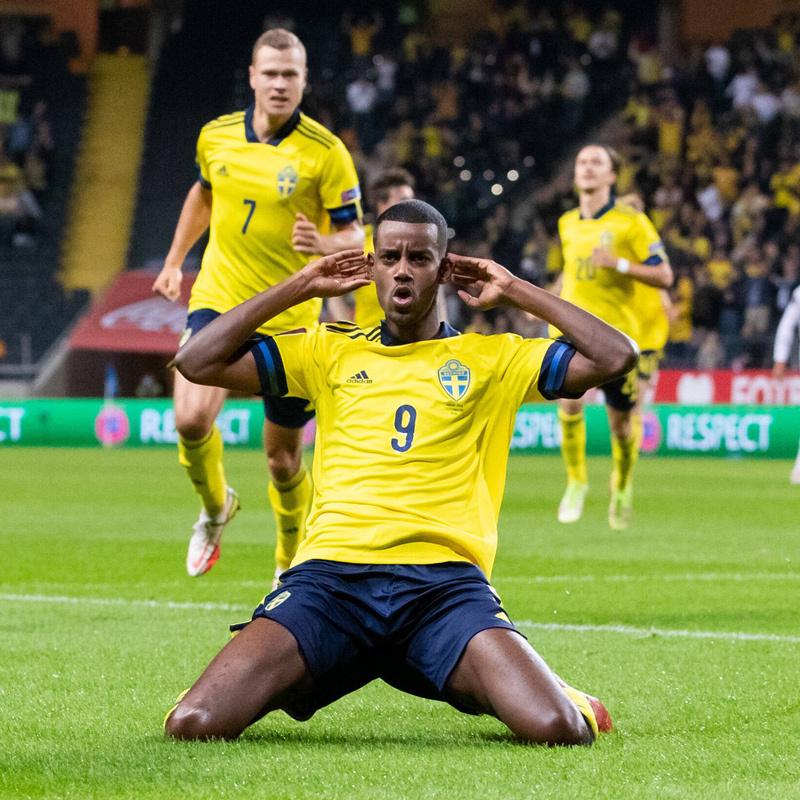 Tây Ban Nha phơi áo trước Thụy Điển