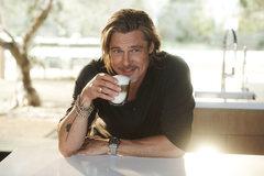 Brad Pitt chia sẻ bí quyết quyến rũ tuổi 58