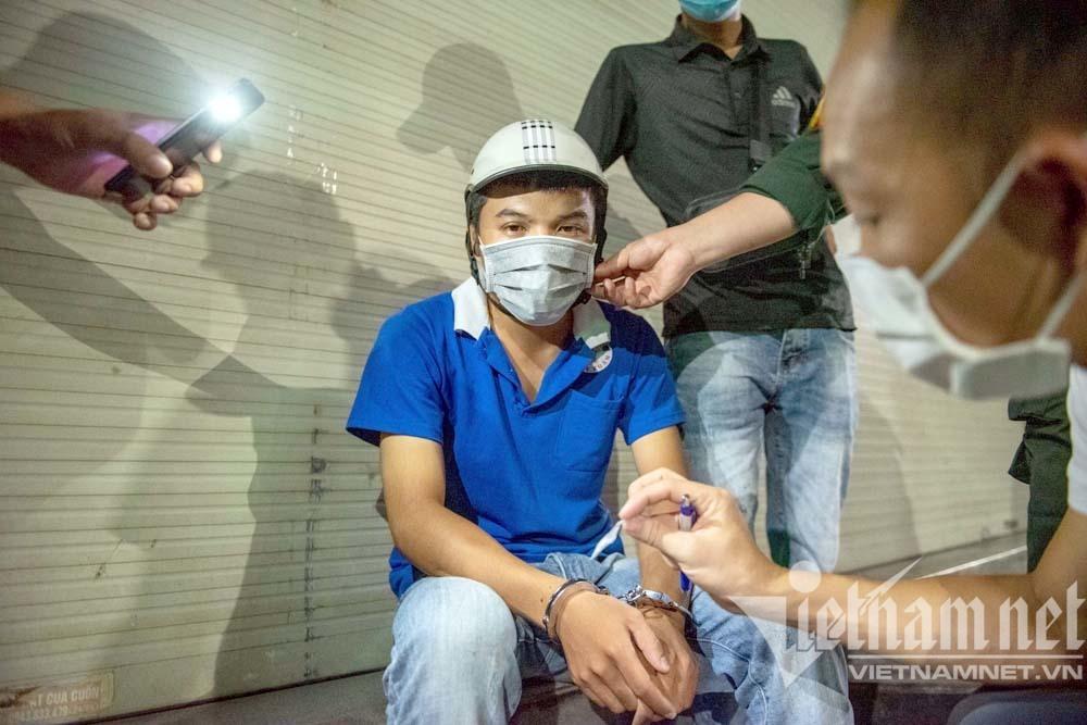 Tổ cơ động Hà Nội phát hiện thanh niên giấu ma túy trong hộp mỹ phẩm