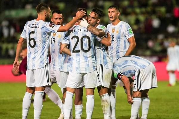 Messi im tiếng, Argentina vẫn hạ đẹp Venezuela
