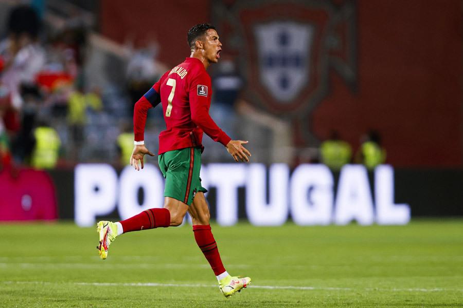 Ronaldo và siêu kỷ lục: Kẻ 'tham lam' thách thức mọi giới hạn
