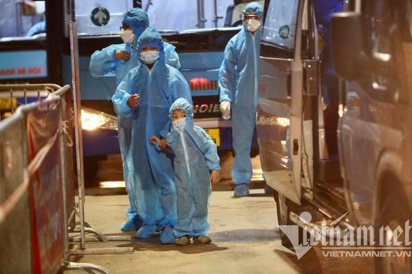 Suốt 45 ngày giãn cách: Hà Nội 'chịu đau' để giữ mình an  toàn