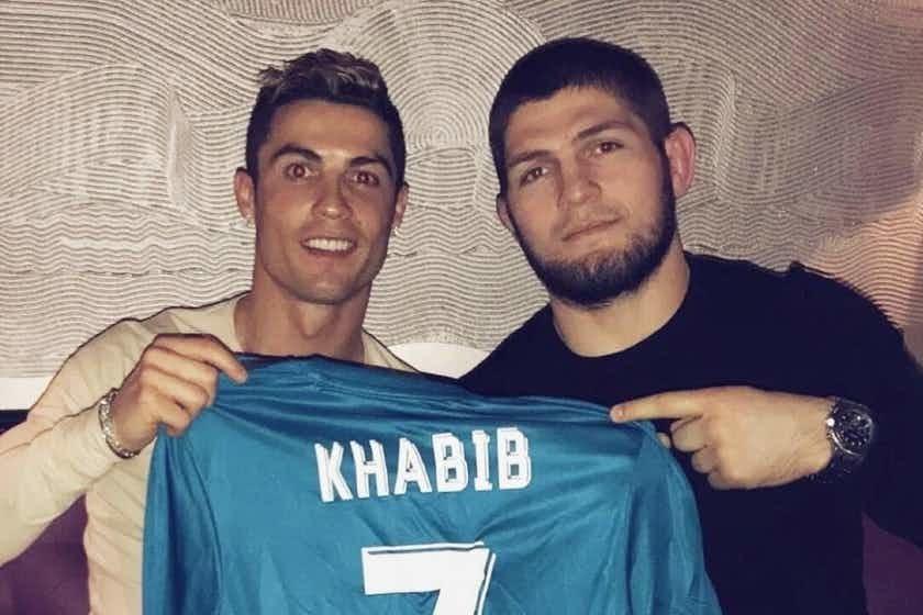 Ronaldo khoe trở lại MU từ 1 tháng trước