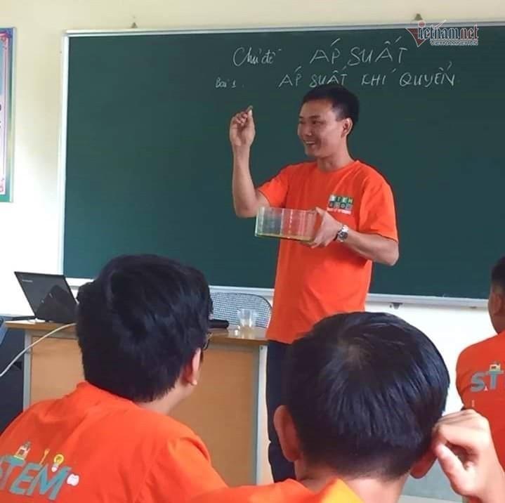 Thầy giáovùng cao khiến học trò mê giáo dục STEM