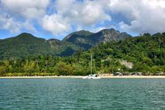 Học Thái Lan, Malaysia thử nghiệm mở cửa điểm du lịch nổi tiếng