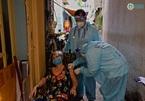 TP.HCM đẩy nhanh bao phủ vắc xin, dần gỡ bỏ giãn cách xã hội