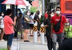 Singapore tạm ngưng tái mở cửa, Nhật tặng thêm vắc xin Covid-19 cho Việt Nam