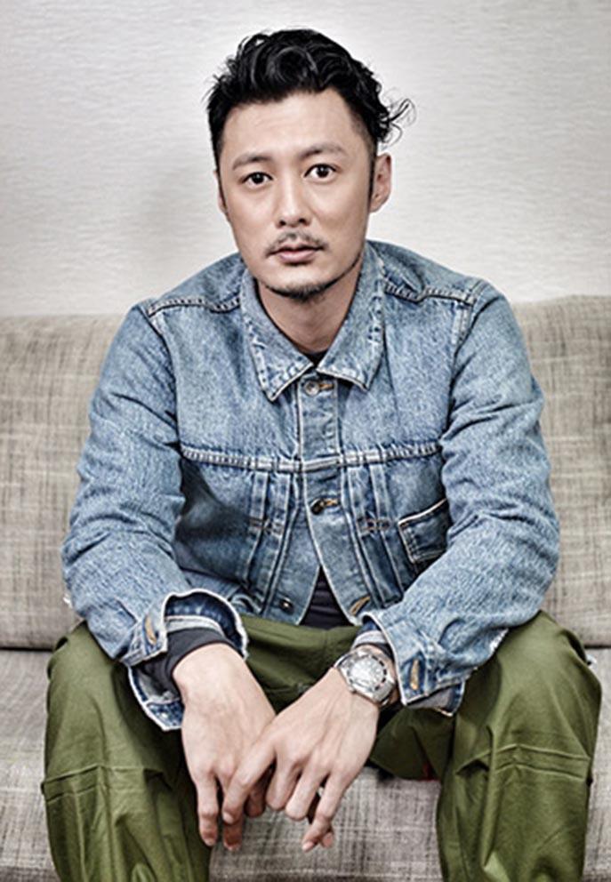 Tài tử Dư Văn Lạc mắc trầm cảm, đấu giá tài sản làm từ thiện