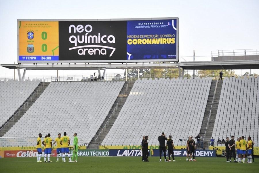 Messi và đồng đội bức xúc vì hoãn đại chiến Argentina đấu Brazil