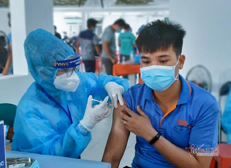 Ứng phó đại dịch cần sự hợp tác y tế công - tư