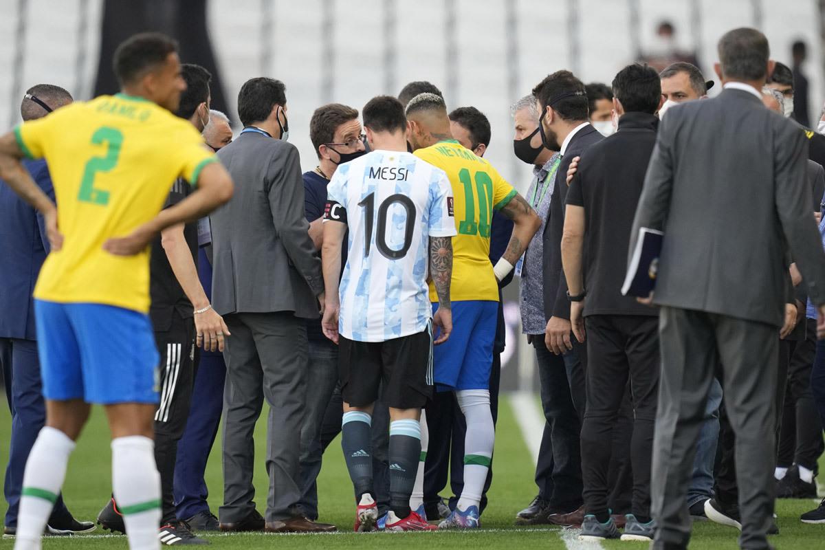 Bê bối Brazil đấu Argentina: Từ siêu kinh điển thành trò hề