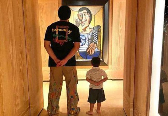 Con trai 4 tuổi của Châu Kiệt Luân gây sốt vì điển trai giống hệt bố