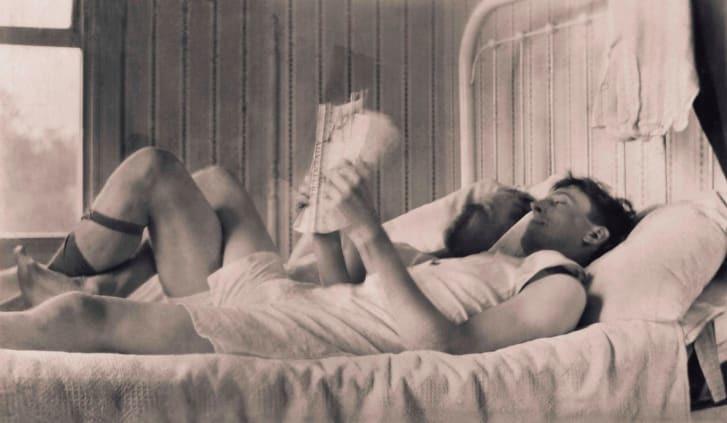 Những bức ảnh về tình yêu đồng giới nam cách đây hàng trăm năm