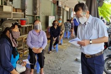 Bí thư Đà Nẵng xuống đường, nghe người dân góp ý các biện pháp chống dịch