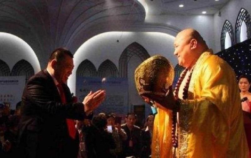 Kết cục không ngờ của người đàn ông có ngoại hình giống Phật Di Lặc