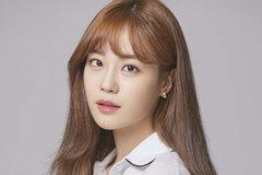 Nữ ca sĩ Heo Youngji mắc Covid-19