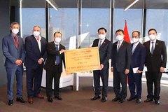 Chủ tịch Quốc hội tiếp nhận ủng hộ thiết bị y tế từ doanh nghiệp Áo, Việt kiều