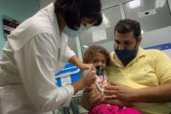 Cuba trở thành nước đầu tiên tiêm ngừa Covid-19 cho trẻ từ 2 tuổi