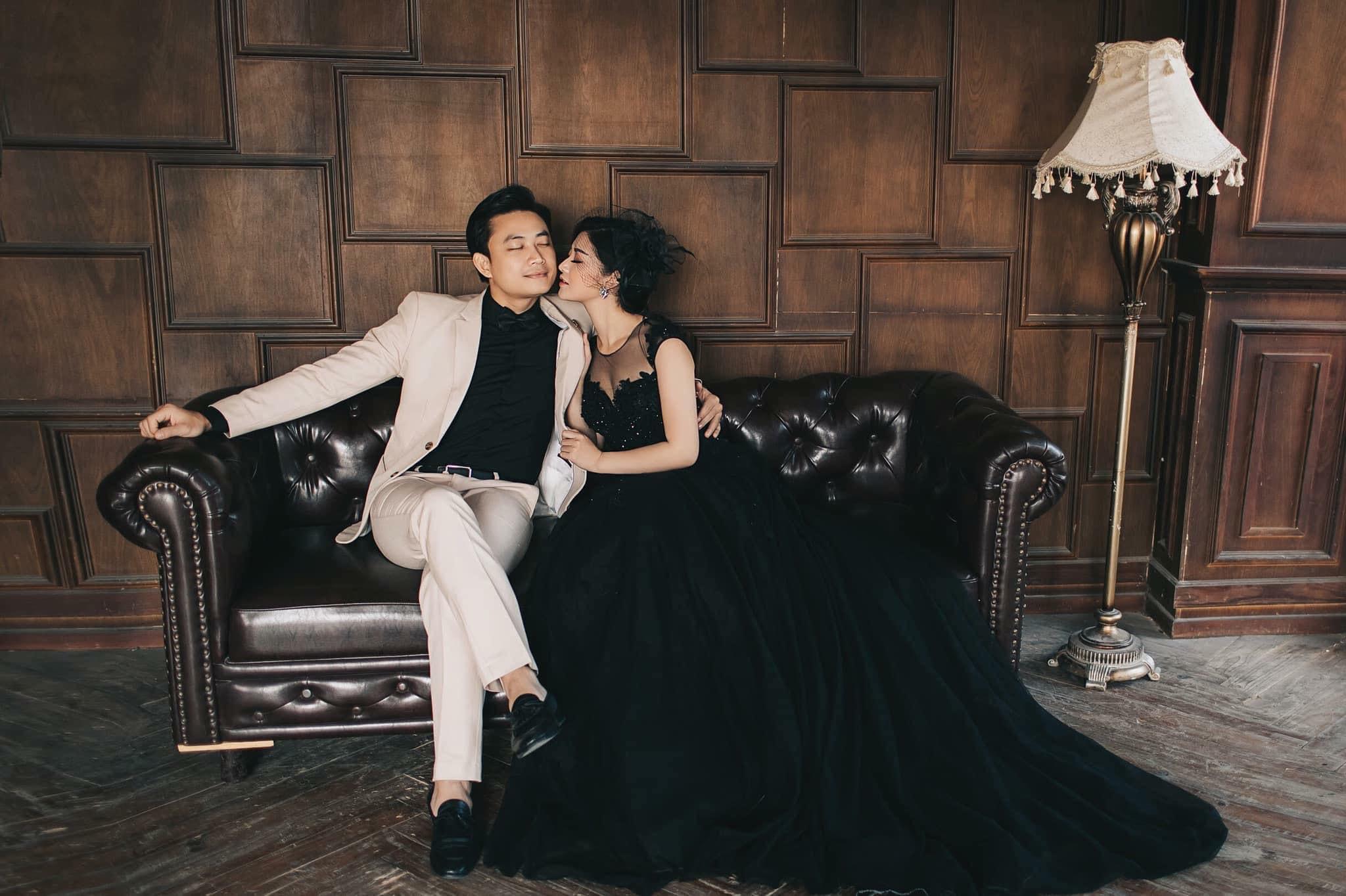 Phản ứng của vợ Tiến Lộc khi xem cảnh nhạy cảm của chồng trong '11 tháng 5 ngày'