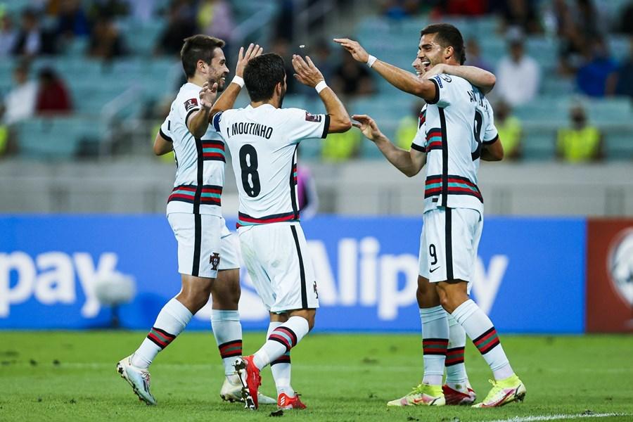 Bruno Fernandes châm ngòi, Bồ Đào Nha thắng trận '3 sao'