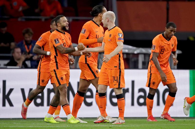 Depay 'nổ' hat-trick, Hà Lan đè bẹp Thổ Nhĩ Kỳ