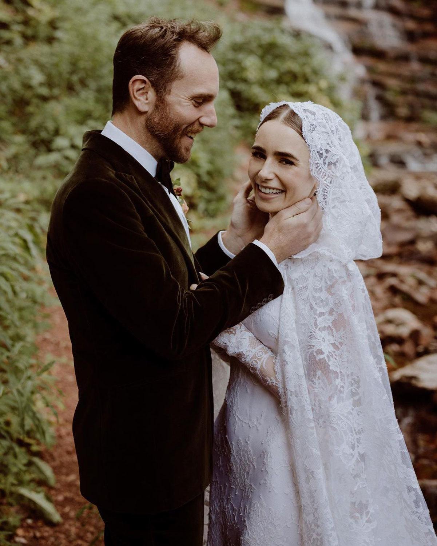 Lily Collins diện váy cưới ren hàng hiệu xinh như công chúa