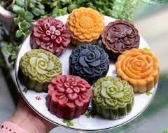 Cảnh báo: Bánh trung thu đầy màu sắc 'ngậm' chất tạo màu
