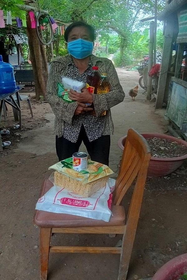 Niềm vui của người phụ nữ gần 10 năm chăm con dâu tai biến