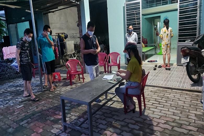 Sau phản ánh tới VietNamNet, người dân khu phong tỏa đã nhận tiền hỗ trợ